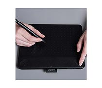 Wacom Intuos Comic Creative Pen and Touch Tablet CTH-490/K1-